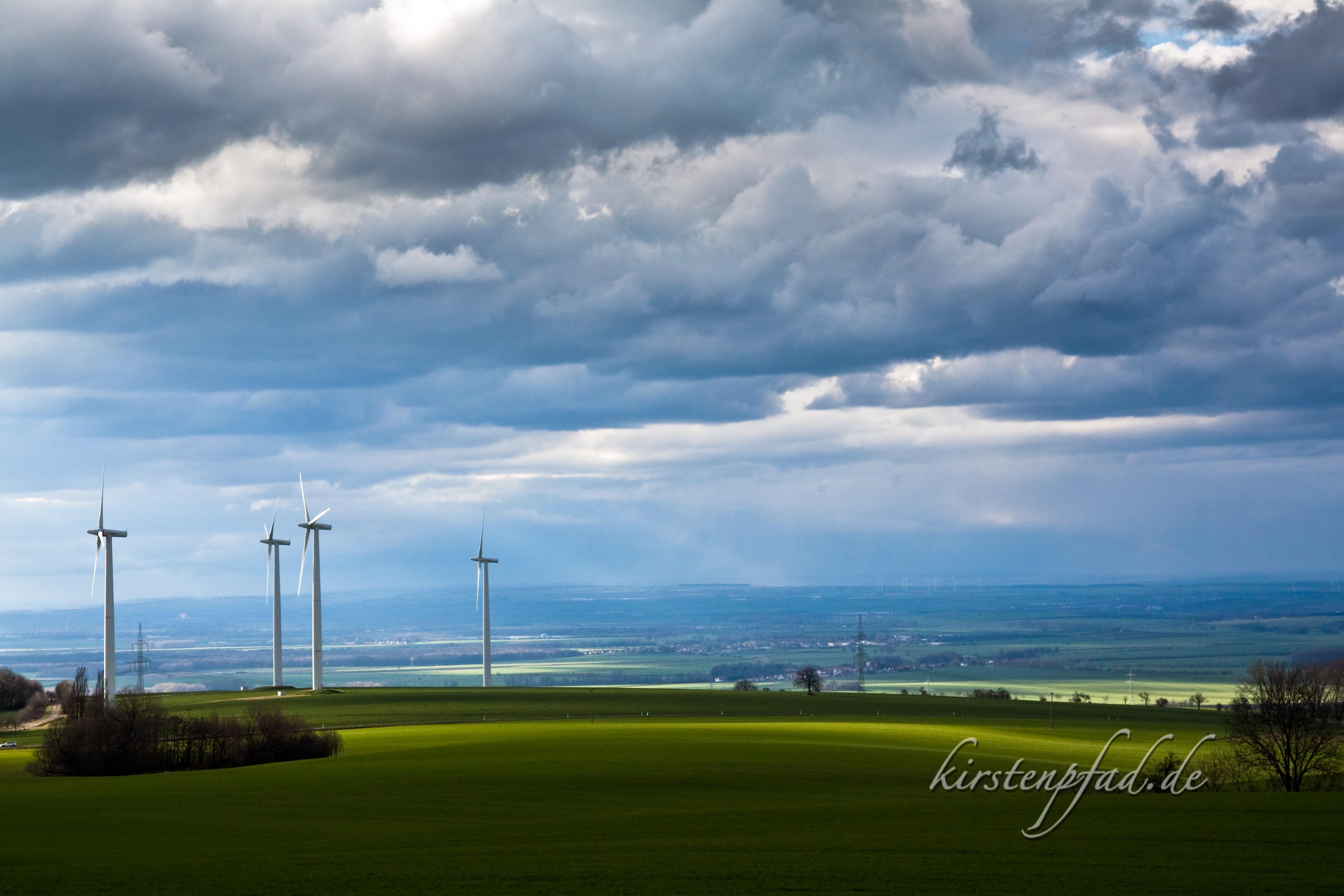 Windräder bei Buchenwald